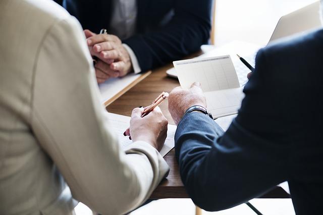 איך לבחור עורך דין לדיני עבודה